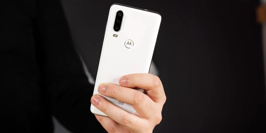 Motorola One Action posiada dedykowany aparat do nagrywania video