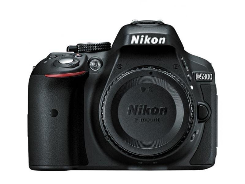 Nikon D5300 Czarny + 18-105mm przód