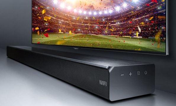 Nowy soundbar Samsunga sprawdzi się u gracza i fana emocji na telewizorze.