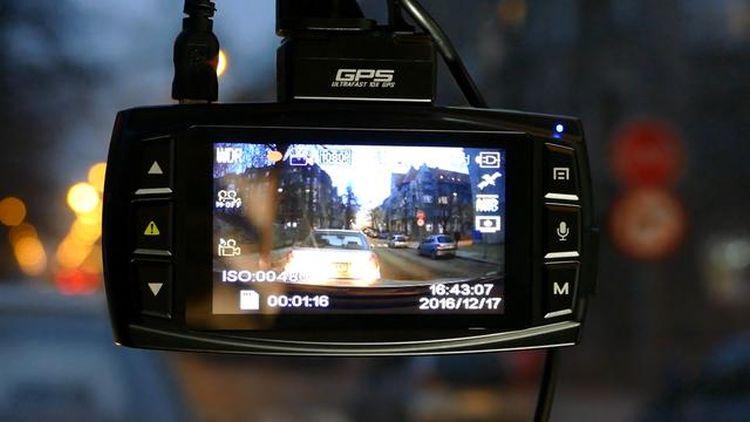 kamera samochodowa podczas nagrywania