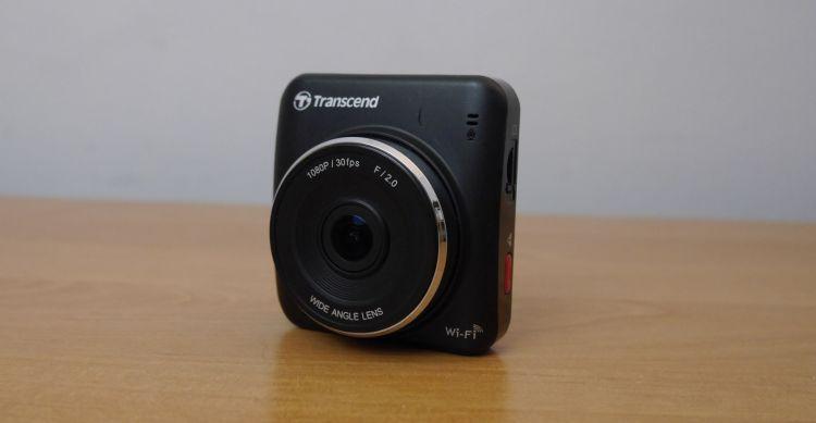 mały wideorejestrator samochodowy