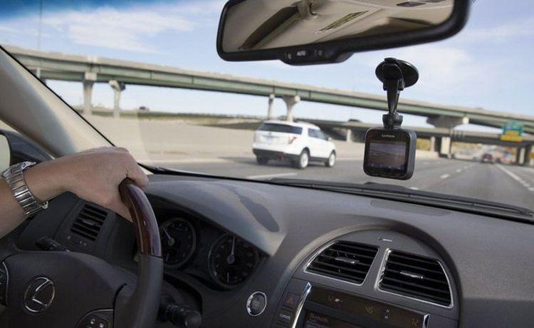 rejestrator trasy podczas nagrywania jazdy