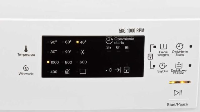 Electrolux EWS11052NDU to wygodny panel sterowania i wiele funkcji