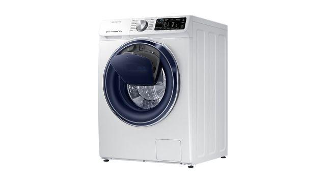 Samsung Quick Drive WW80M644OPW pozwala dodać ubrań w trakcie prania