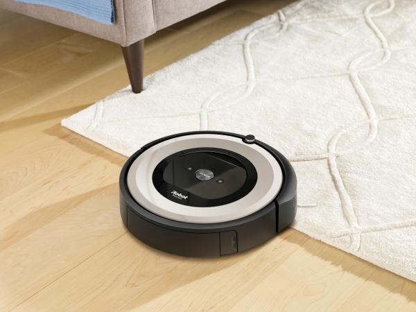 iRobot Roomba e5 sprzątanie