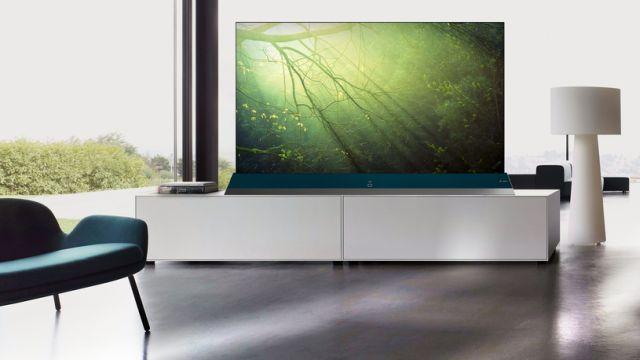 TCL QLED TV X8 poza świetnym obrazem i dobrym dźwiękiem ma też unikatowy design