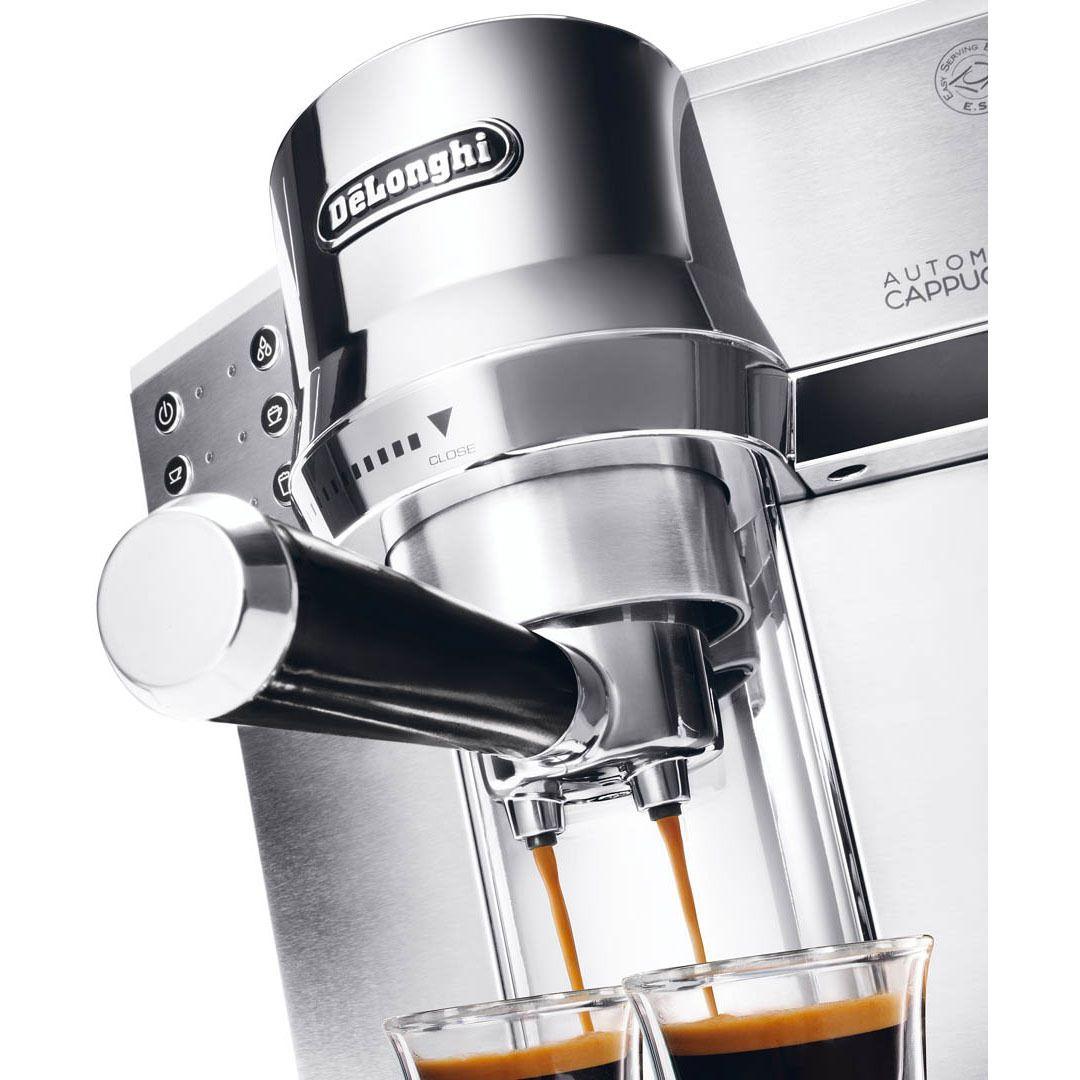 przygotowywanie kawy w De'Longhi EC 850.M