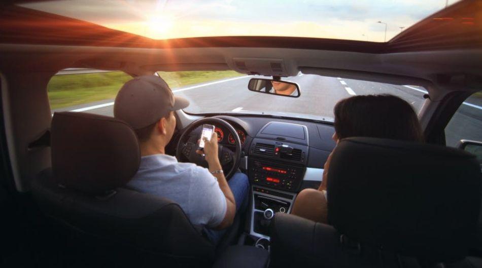 nowoczesne radio samochodowe