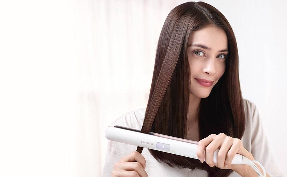 prostowanie włosów prostownicą Philips
