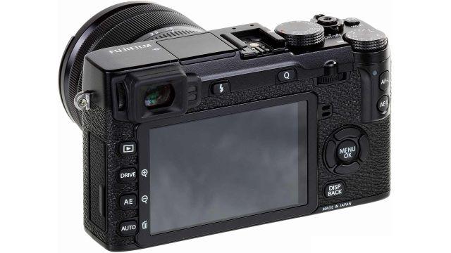 FujiFilm X-E2S ma niewielki rozmiar i wygodnie leży w ręce