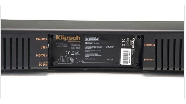 Klipsch RSB-8 poza bezprzewodowym połączeniem posiada również opcje połączenia kablem