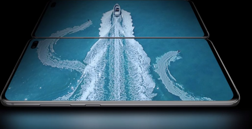 Samsung Galaxy s10 boat