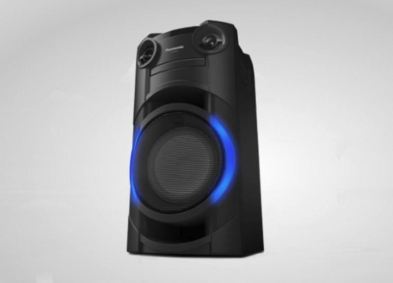Panasonic SC-TMAX10 posiada obramowanie LED