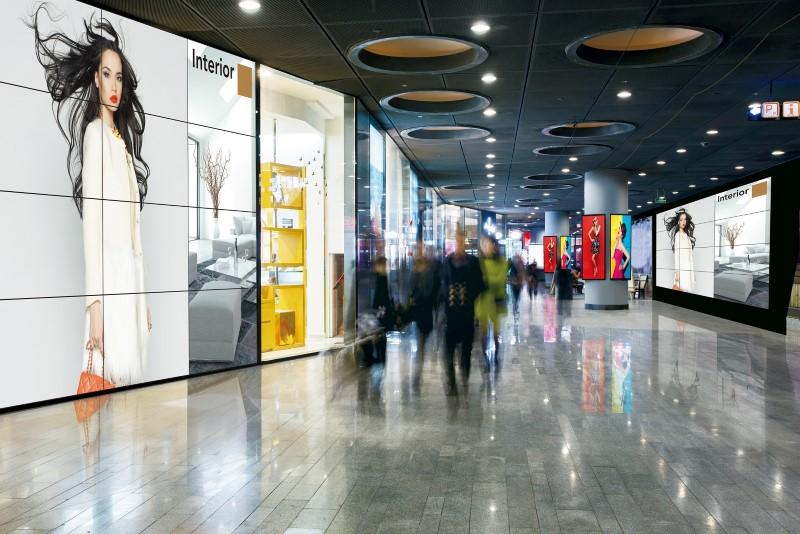Nowe monitory od Panasonica są idealne do tworzenia ścian wyświetlających