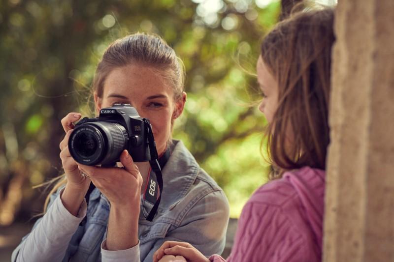 Canon EOS 250 D to najlżejszy na świecie aparat DSLR