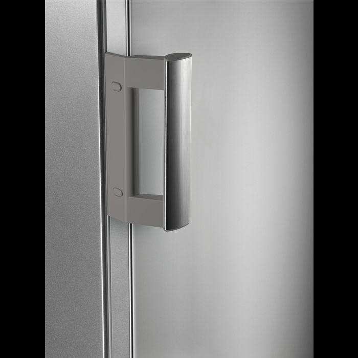uchwyt drzwi w lodówce AEG RTB51411AX