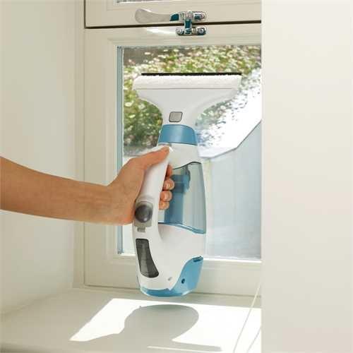 mycie okna myjką Black&Decker WW100K