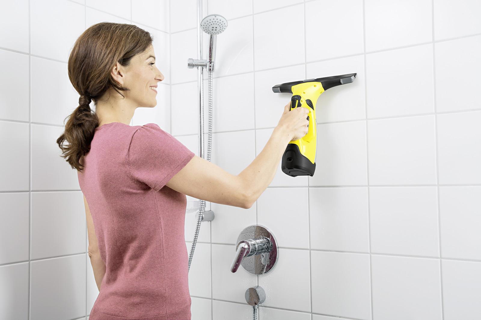 mycie kafelków w łazience myjką Karcher