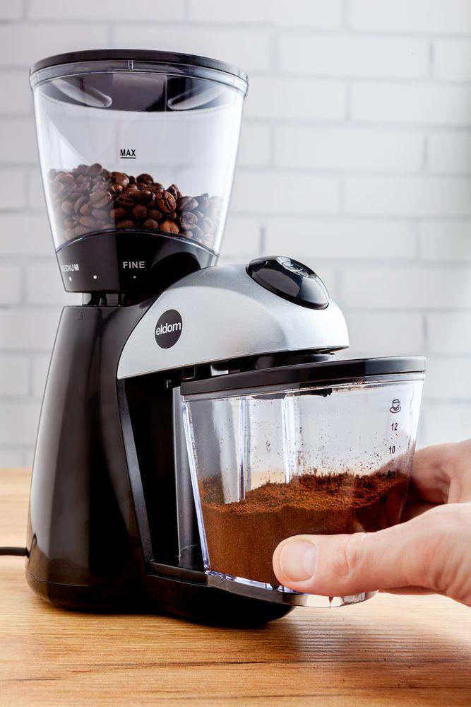 wyjmowany pojemnik ze zmieloną kawą