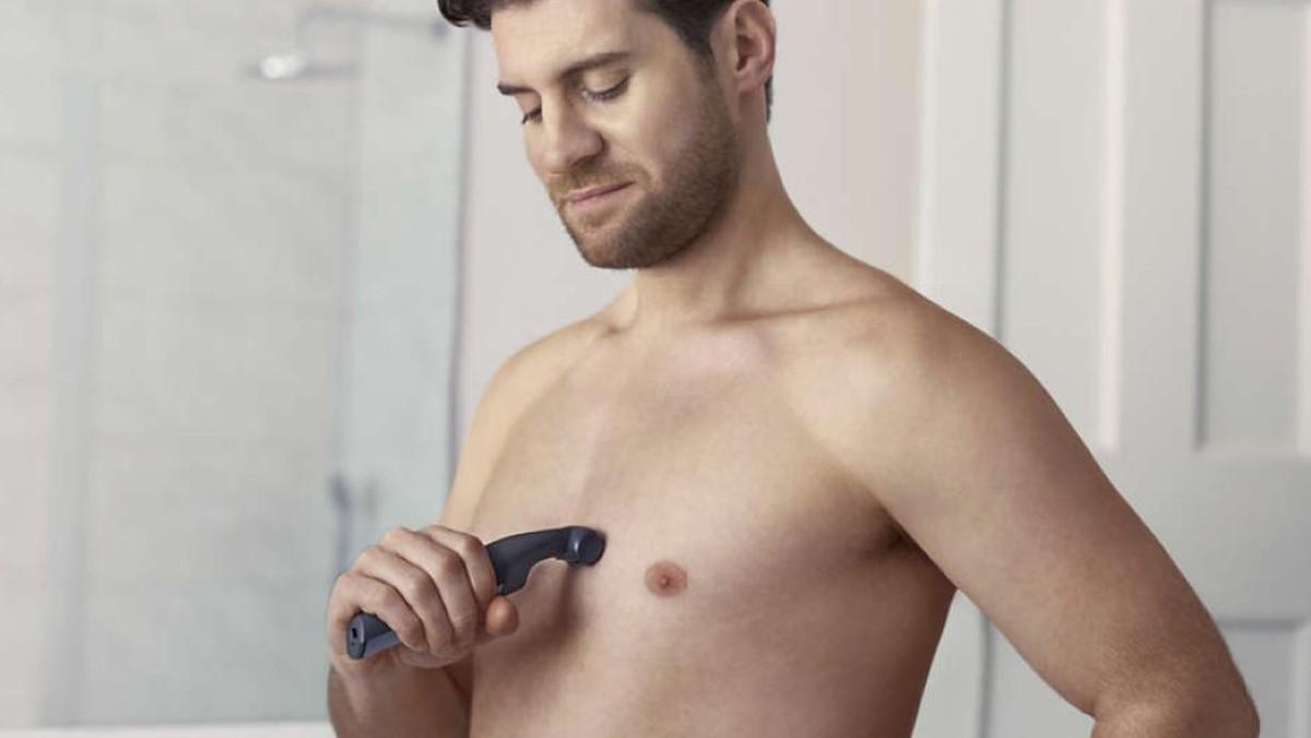 Mężczyzna golący się Philips Bodygroom BG3015/15