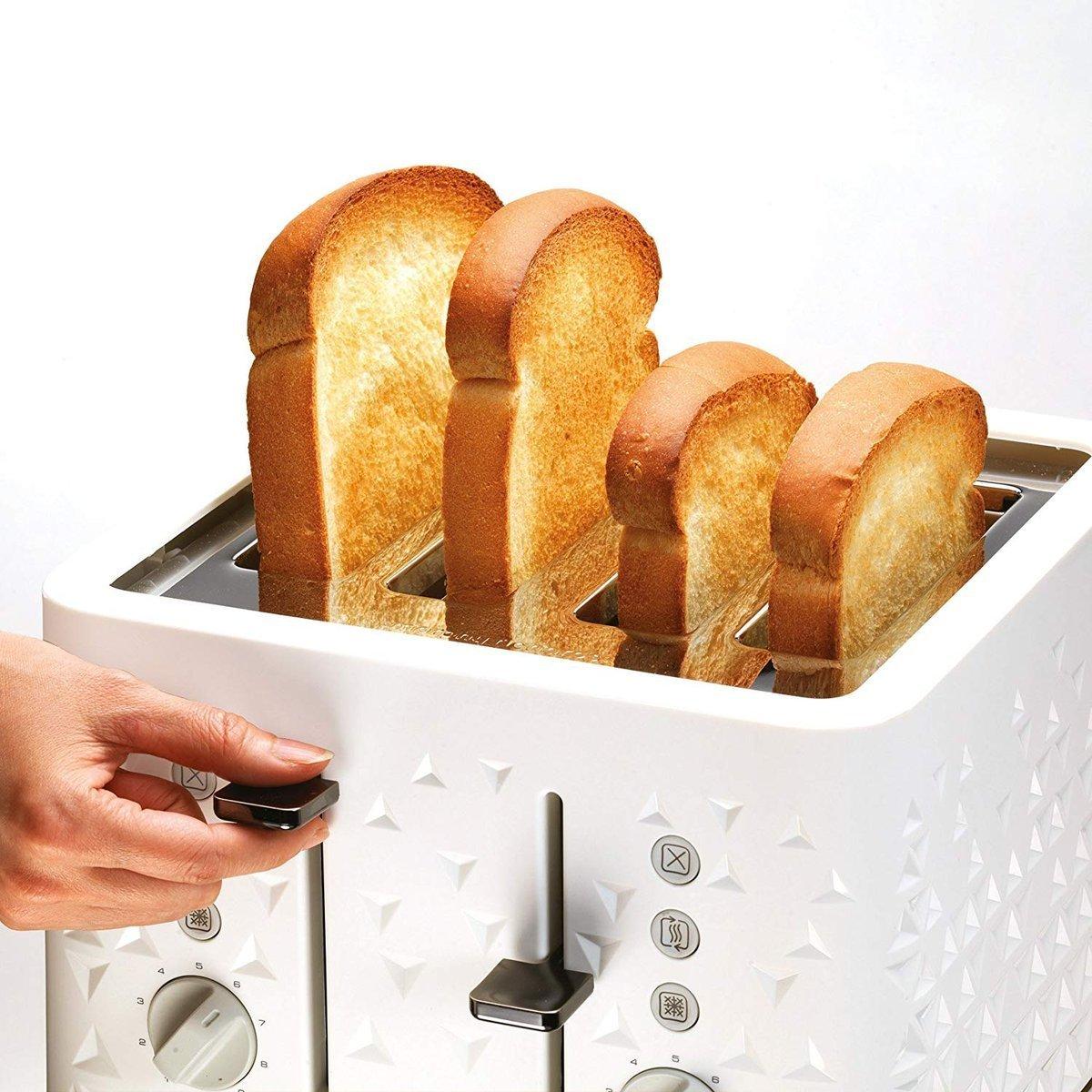 miejsce na 4 grzanki w tosterze
