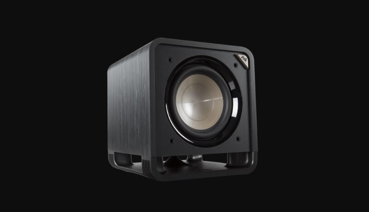 Polk Audio HTS SUB 10 na czarnym tle