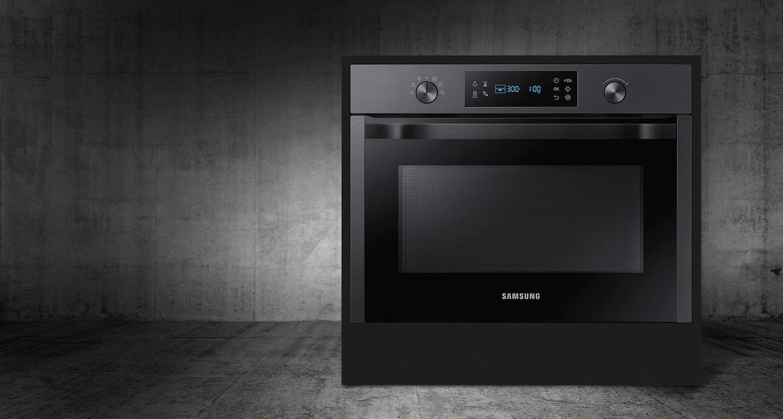 pojemna kuchenka mikrofalowa czarna firmy Samsung