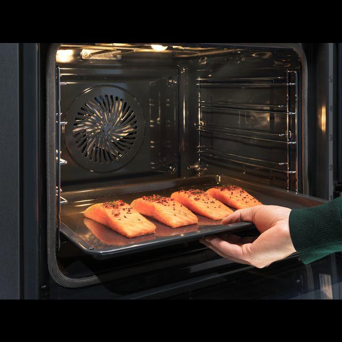mięso wkładane do piekarnika Electrolux