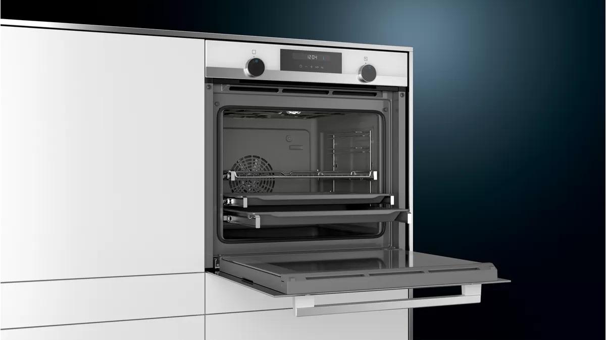 zabudowany biały piekarnik elektryczny Siemens