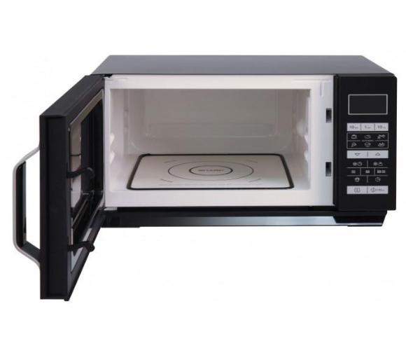 wnętrze kuchenki mikrofalowej Sharp