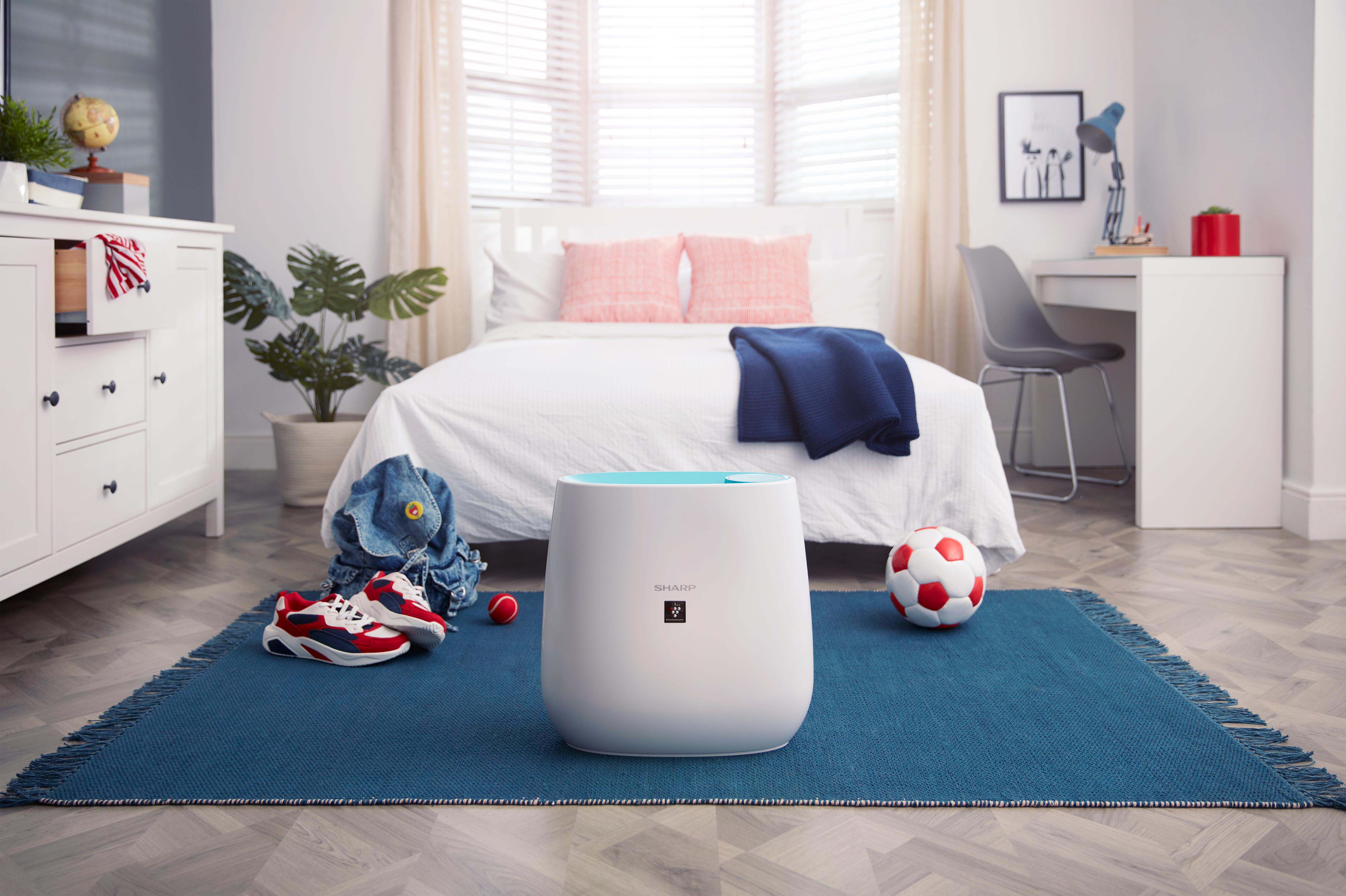 oczyszczacz powietrza Sharp w pokoju