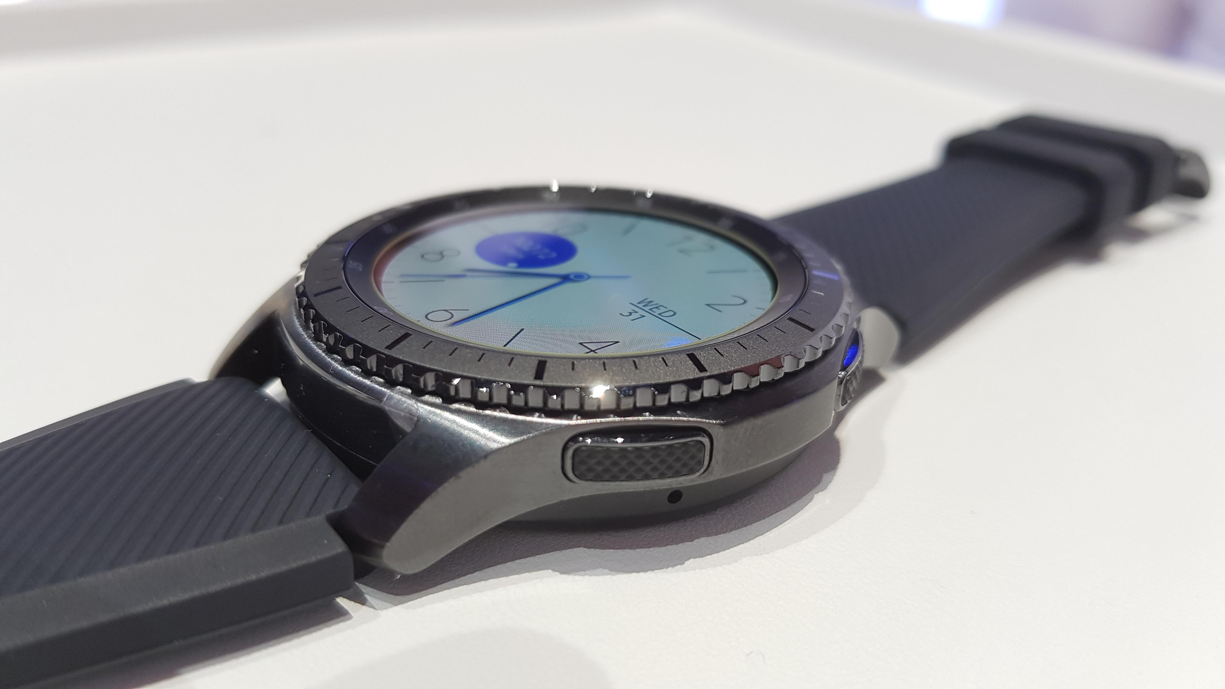 Samsung Gear S3 Frontier-0