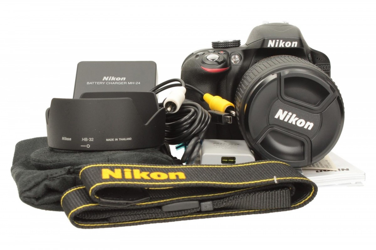 Nikon D3300 + 18-55 mm