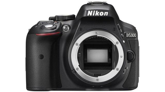 Nikon D5300 + 18-105 mm